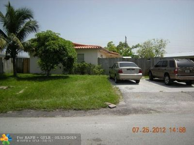 Oakland Park Multi Family Home For Sale: 280 NE 41st St