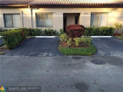 Lauderhill Condo/Townhouse For Sale: 3176 La Mirage Dr