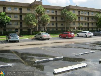 Lauderdale Lakes Condo/Townhouse For Sale: 3101 NW 47th Ter #422