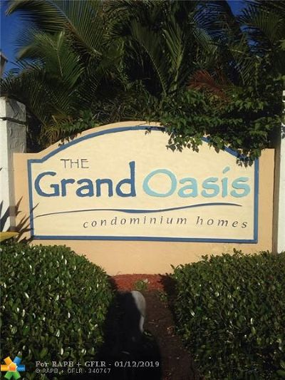 Coral Springs Condo/Townhouse For Sale: 5621 Riverside Dr #204