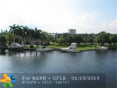 Hallandale Condo/Townhouse For Sale: 437 Golden Isles Dr. #14H