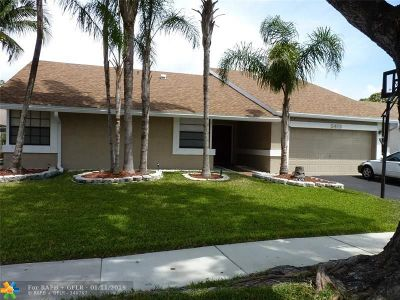 Tamarac Single Family Home For Sale: 5413 NW 56th Ct