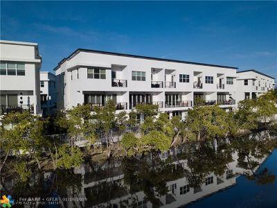 Wilton Manors Condo/Townhouse For Sale: 2900 NE 12th Ter #14