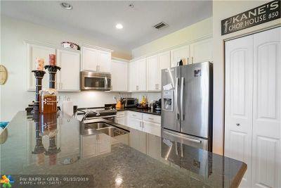 Pompano Beach Condo/Townhouse For Sale: 263 SW 7th Ct #263