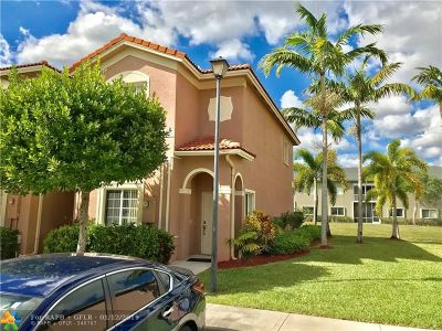 Tamarac Condo/Townhouse For Sale: 7919 Catalina Cir #7919