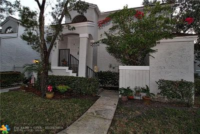 Pembroke Pines Condo/Townhouse For Sale: 11982 NW 11th St #11982
