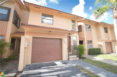 Pembroke Pines Condo/Townhouse For Sale: 960 SW 113th Ter