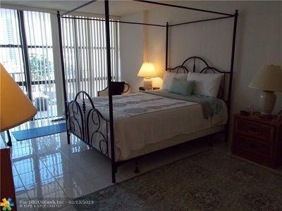 Hallandale Condo/Townhouse For Sale: 800 Parkview Dr #524