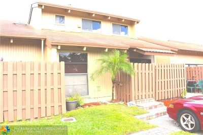 Davie Condo/Townhouse Backup Contract-Call LA: 2061 SW 81st Way #2061