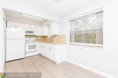 Hollywood Condo/Townhouse For Sale: 2415 Lincoln St #203
