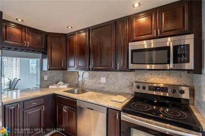 Pompano Beach Condo/Townhouse For Sale: 801 N Ocean Blvd #404