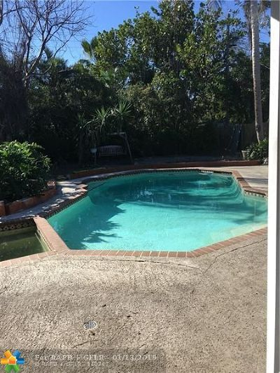 Pompano Beach Single Family Home Backup Contract-Call LA: 417 NE 19th Ave