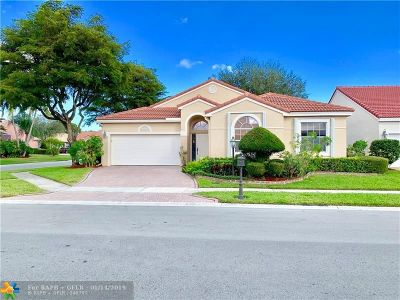 Boca Raton Single Family Home For Sale: 23304 Alora Dr