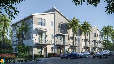 Wilton Manors Condo/Townhouse For Sale: 549 NE 21st Ct. #2