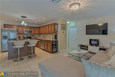 Oakland Park Single Family Home For Sale: 321 NE 58th Ct