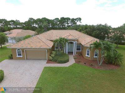 Hobe Sound Single Family Home For Sale: 8802 SE Oak Grove Terrace