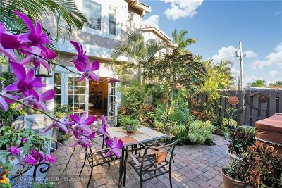 Fort Lauderdale Condo/Townhouse For Sale: 1301 Bayview Dr #7