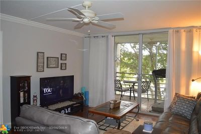 Davie Condo/Townhouse For Sale: 9340 Lagoon Pl #307