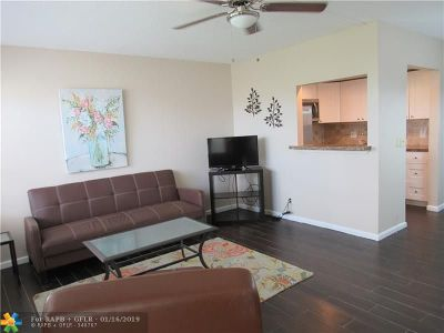 Deerfield Beach Condo/Townhouse For Sale: 602 Durham V #602