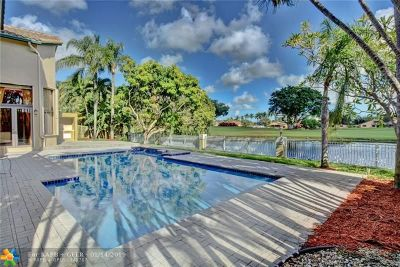 Plantation Single Family Home For Sale: 920 E Coco Plum Cir
