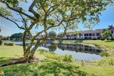 Boynton Beach FL Condo/Townhouse For Sale: $209,000