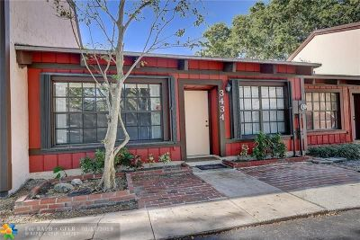 Hollywood Condo/Townhouse For Sale: 3434 Forrest Dr #3434