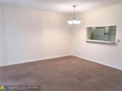 Pembroke Pines Condo/Townhouse For Sale: 1251 SW 125th Ave #306