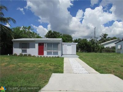 Pompano Beach Single Family Home For Sale: 3071 NE 12th Ave