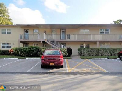 Margate Condo/Townhouse For Sale: 7350 NW 1st St #102