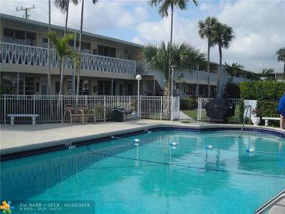 Hallandale Condo/Townhouse For Sale: 900 Atlantic Shores Blvd #104