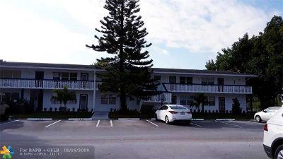 Deerfield Beach Condo/Townhouse For Sale: 155 Newport J #155