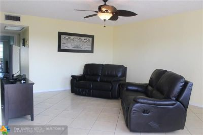 Deerfield Beach FL Condo/Townhouse For Sale: $125,000