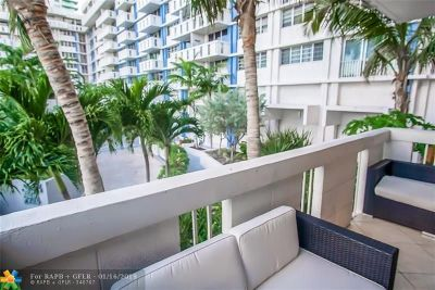 Miami Condo/Townhouse For Sale: 800 West Ave #335