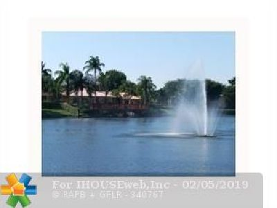 Plantation Condo/Townhouse For Sale: 10765 Cleary Blvd #308
