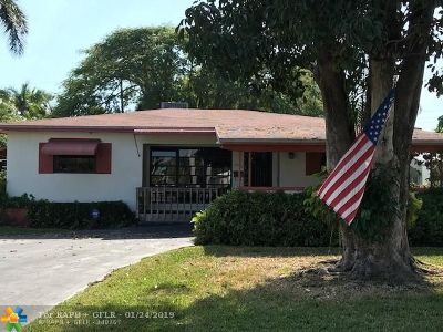 Broward County Single Family Home For Sale: 1522 Hayes St