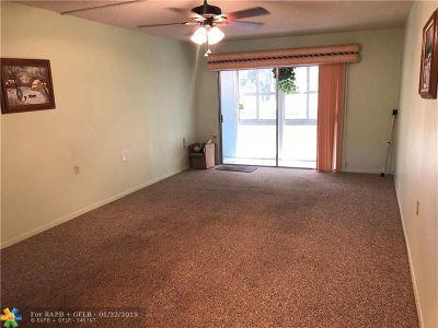 Coconut Creek Condo/Townhouse For Sale: 2606 Nassau Bnd #D1