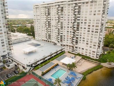 Aventura Condo/Townhouse For Sale: 2780 NE 183rd St #404