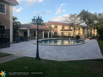 Wilton Manors Condo/Townhouse For Sale: 1950 N Andrews Ave #103D