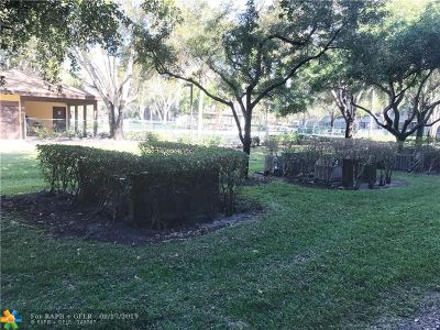 Pembroke Pines Condo/Townhouse For Sale: 13455 SW 9th Ct #113J