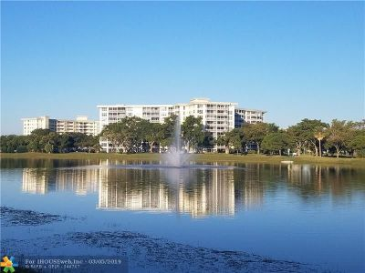 Pompano Beach FL Condo/Townhouse For Sale: $149,000