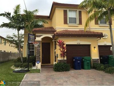 Doral Condo/Townhouse For Sale: 8736 NW 112th Path #8736