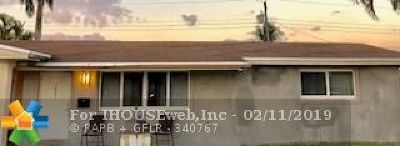Pembroke Pines Single Family Home For Sale: 7851 NW 11th Ct