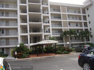 Pompano Beach Condo/Townhouse For Sale: 3000 N Palm Aire Dr #201