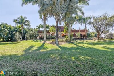 Davie Single Family Home Backup Contract-Call LA: 15434 SW 31st St