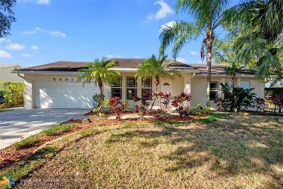 Cooper City Single Family Home For Sale: 5001 SW 104th Ave