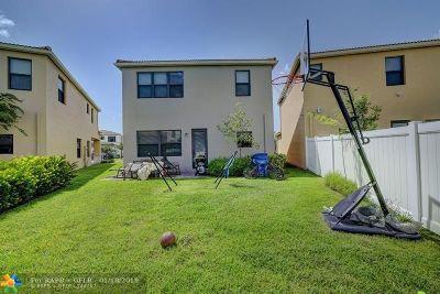 Miami Single Family Home For Sale: 845 NE 191st St