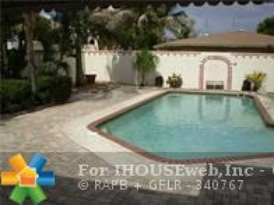 Pompano Beach FL Multi Family Home For Sale: $349,000