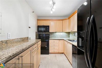 Miami Condo/Townhouse For Sale: 2333 Brickell Ave #1504