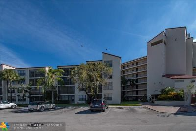 Pompano Beach Condo/Townhouse For Sale: 2314 S Cypress Bend Dr #711