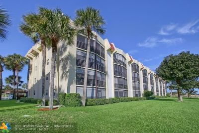 Boca Raton Condo/Townhouse For Sale: 23249 Barwood Ln #105